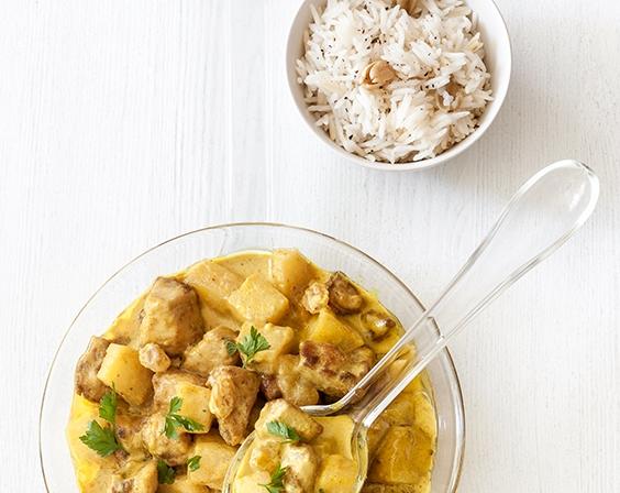 Kokoscurry mit Miss Chef® Äpfeln, Hähnchen und Kardamomreis
