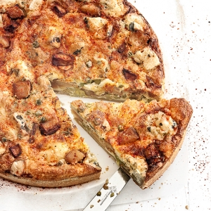"""Miss Quiche"" - a Miss Chef® Apple, Fourme d'Ambert cheese and green pea quiche"